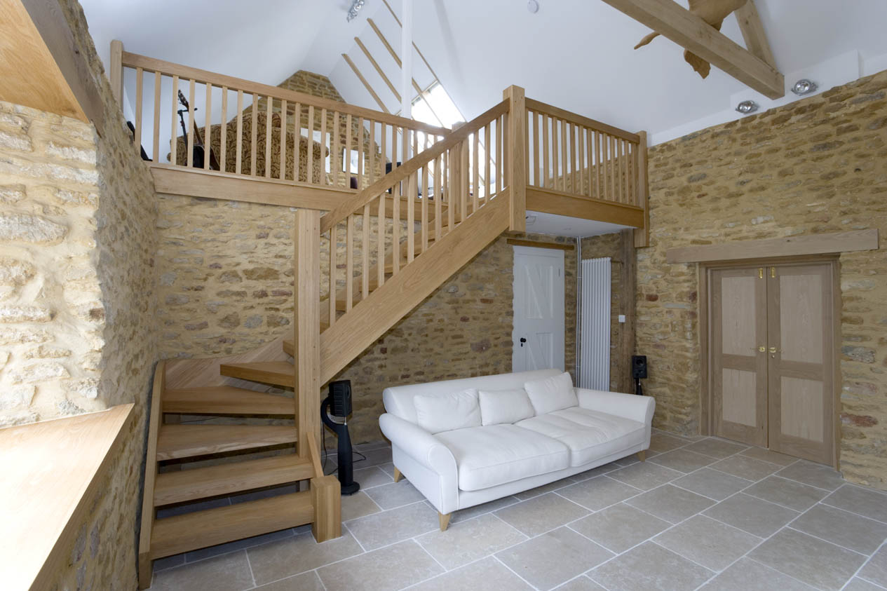 Standard And Bespoke Staircases And Installation In